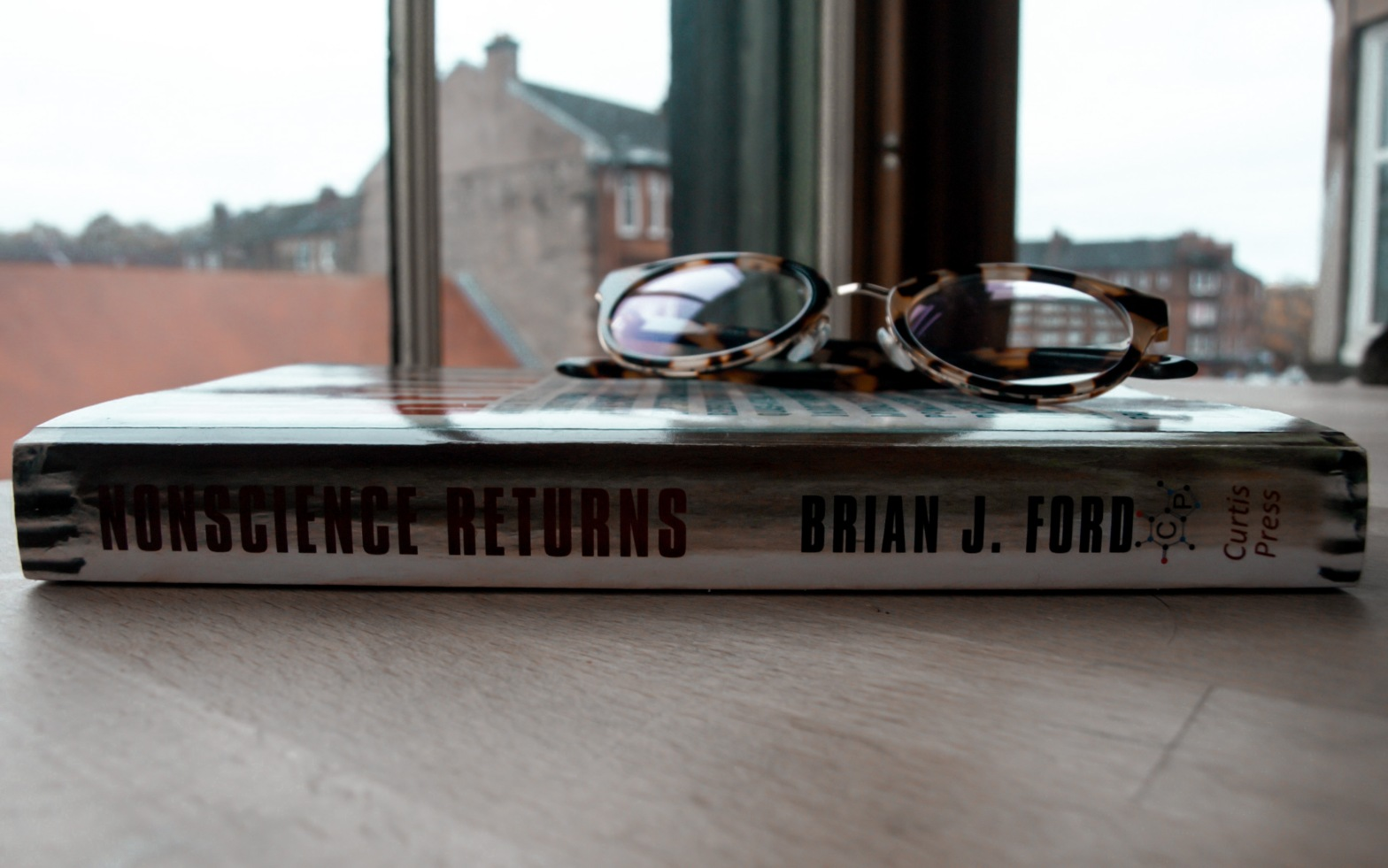 Photo of the spine of Nonscience Returns by Brian J Ford